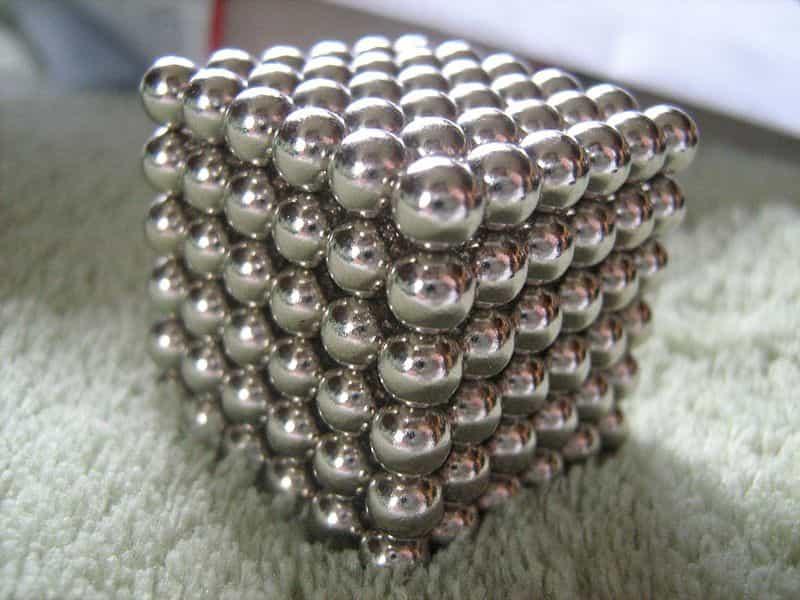 Неокуб из шарообразных неодимовых магнитов