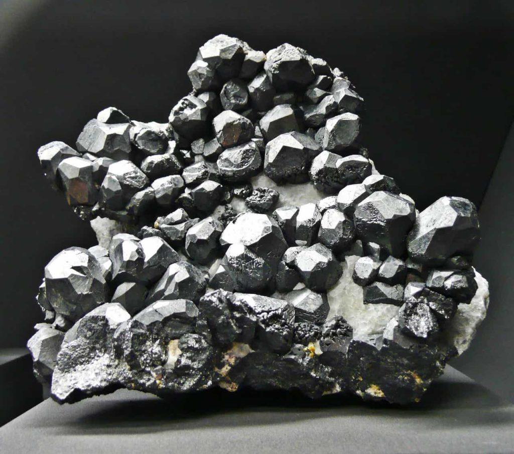 Почти понятно о магнетизме... тайная сила камня магнита 2