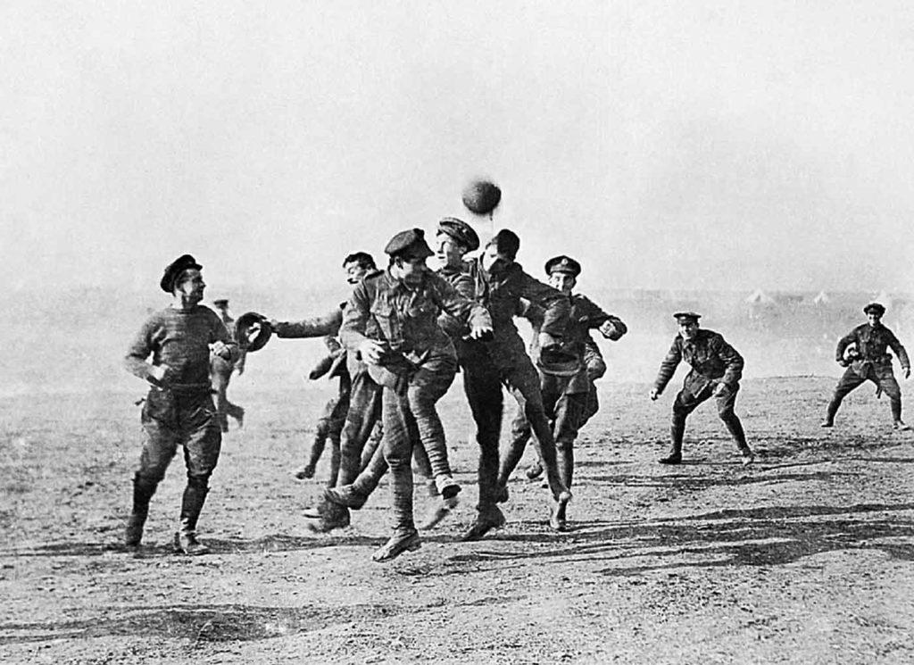 У военных даже свобода по уставу: например, на футболе