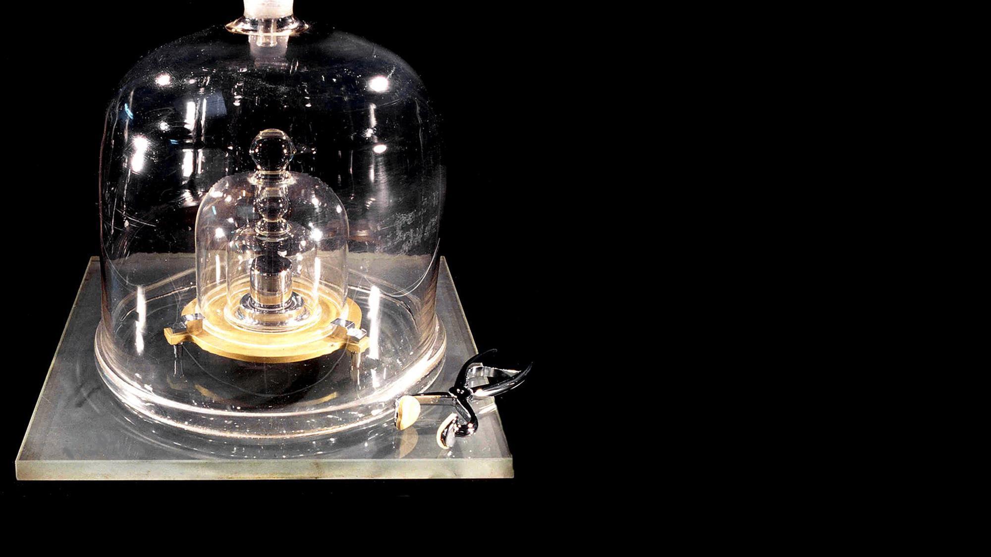 Ученые отказались от материального эталона килограмма 1