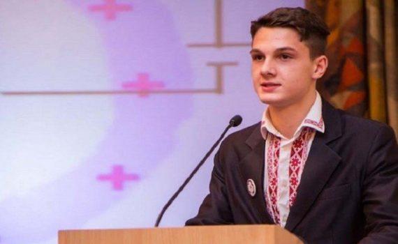 Украинского школьника в США признали гением... а на Родине? 12