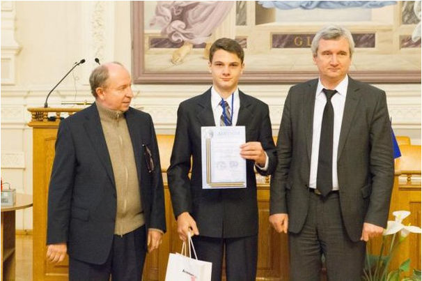 Украинского школьника в США признали гением... а на Родине? 2