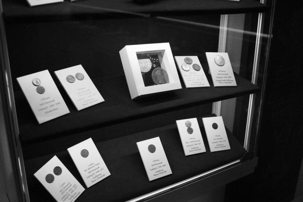 История денег. Музей денег в городе Хеппенхайм 4
