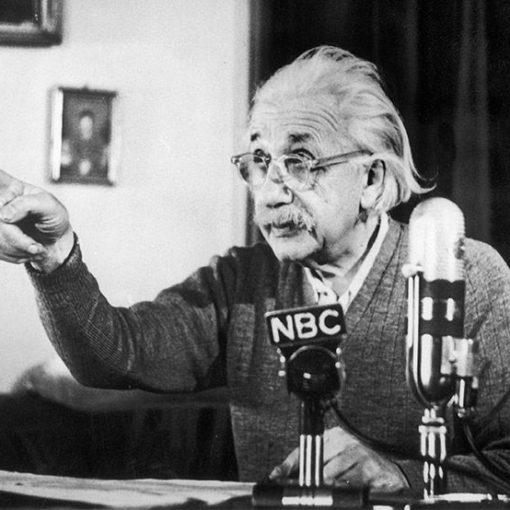 Ученые должны быть выше политики и вновь заявить о своей ценности для общества 7