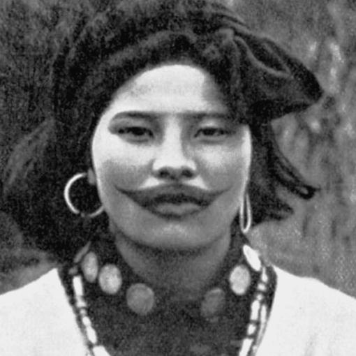 «Улыбка Джокера»: зачем женщины народа Айну делали татуировку-улыбку на лице 5