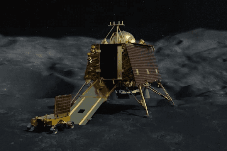 Индия потеряла связь со своим луноходом 2