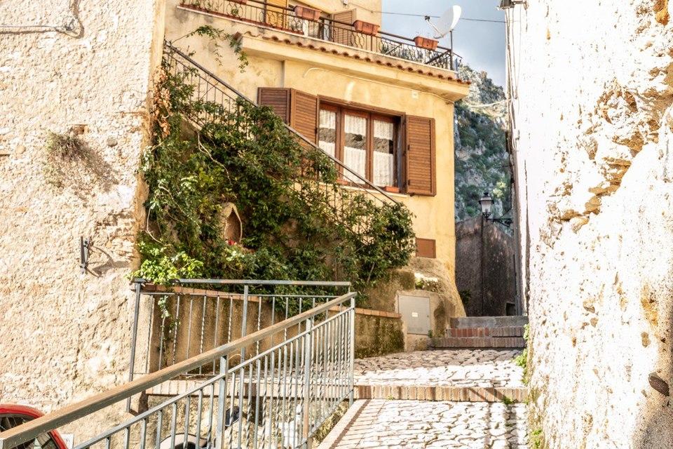 Томмазо Кампанелла и солнечные фото его Города 21